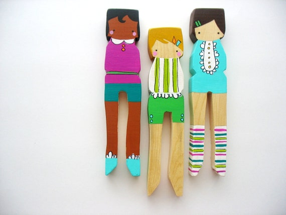 Handmade wooden folk art large clothespin dolls we like for Art sites like etsy