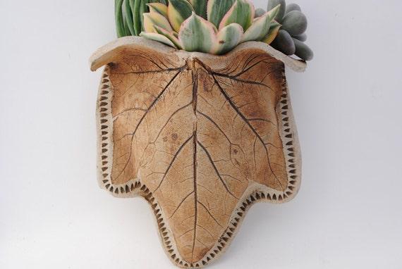 ceramic garden wall planter leaf sconce hanging garden pocket