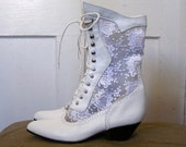 Vintage 80s Victorian Boots in White Leather and Lace size 8