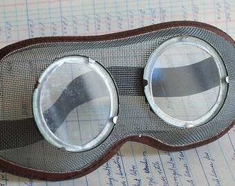 STEAMPUNK at its best...  vintage  goggles...  Laf Bag 6