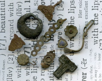 archeological Instant Collections, antique strange objects, oddities, from a private dig, coolvintage, metal patina, old, age, x 381
