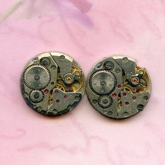 2 IDENTICAL vintage watch movements...to use in your assemblage  Steampunk or GEEK JEWELRY 2-8
