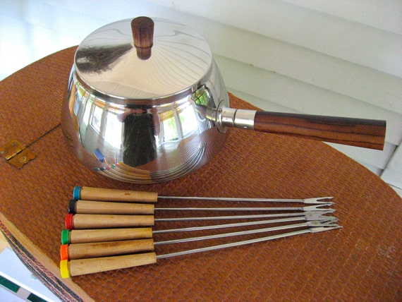 Fondue Pot and Fork Set - Stainless Steel