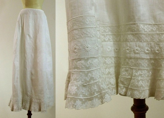 Antique Victorian White Lace Skirt Petticoat / 1900s Skirt / White Lawn Vintage Skirt