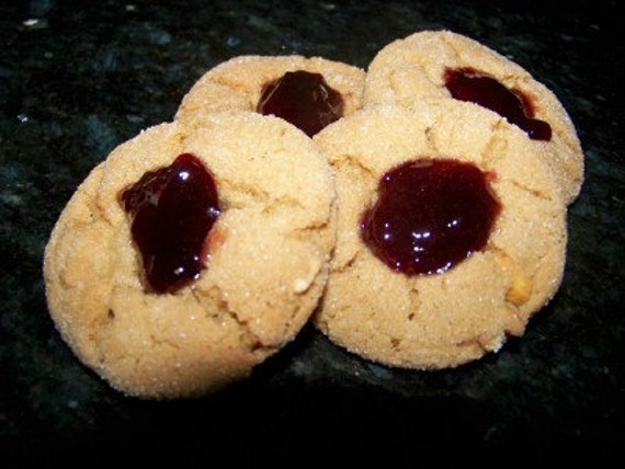 Patty's Peanut Butter and Jelly Thumbelina Cookie