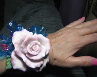 Wendy Gell Amazing one of a Kind Huge  Pink Flower and Blue Glass  1980's style wristy.