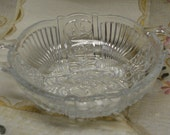 PRETTY Vintage Pressed Glass - 2 Handled Bowl - Berry Bowl - Serving Bowl - Dish -Floral Pattern