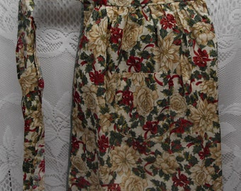 APRON Christmas ROSES - LOVELY - Vintage Half Apron - Shabby Cottage Charm