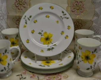 GORGEOUS VINTAGE LUNCHEON Set for 5 - Yellow Rose Blossoms- Pedestal Cups and plates - Fine Bone China -  England (Credit Cards Accepted)