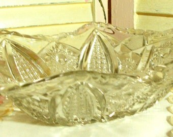 ELEGANT and CHIC - Large Pressed Glass - Crystal Bowl - Unique Shape - Serving Dish - Ornate