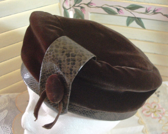 Vintage Brown Velvet and Faux Leather Crown Hat - Tam
