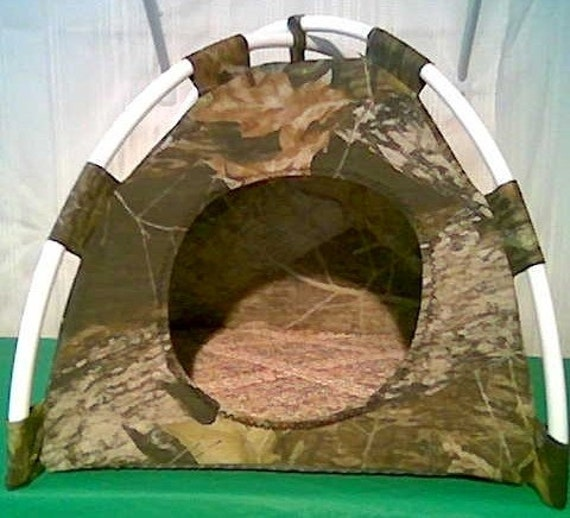 large pup tent pet bed for cats dogs by sharonsbooksnpetbeds. Black Bedroom Furniture Sets. Home Design Ideas