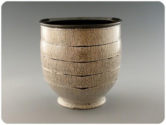 Tri-cornered Severed Vase/Bowl With Crackle Exterior