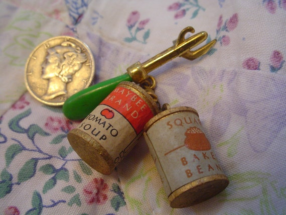 RARE VINTAGE 1930'S CAN OPENER\/SOUP CANS NOVELTY PIN