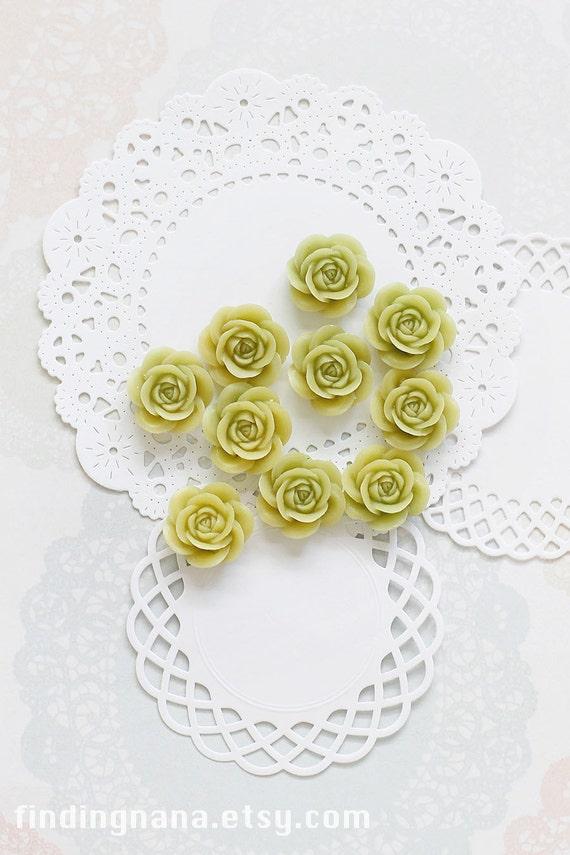 10 Pcs Apple Green Cabochon Flowers - Resin Rose 18mm