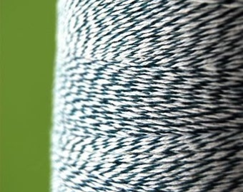 Hunter Green and White Bakers Packaging Twine (25 yards)