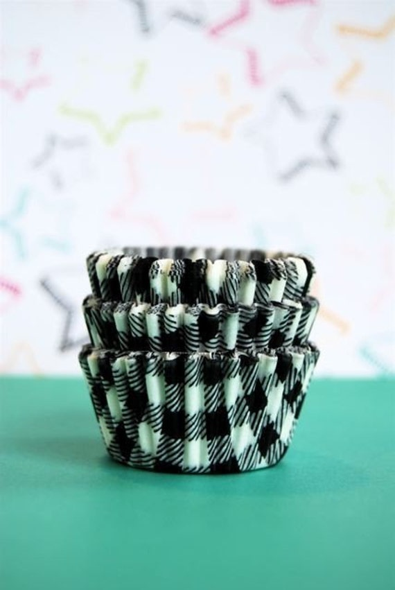 MINI Black and White Gingham Cupcake LIners (45)