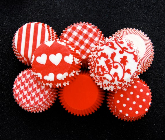Assorted Red Cupcake Liners 80