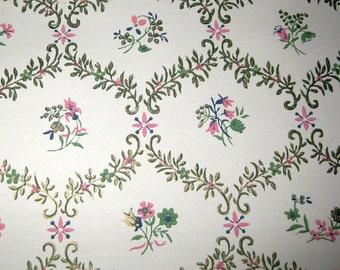Vintage Floral Lattice Design Wallpaper