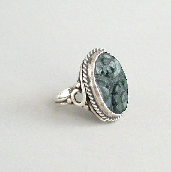 Art Deco Ring. Sterling and Pierced Stone. Floral.  Cini Peruzzi Style. Dark Green.