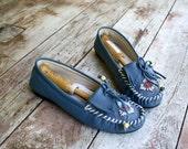 R E S ER V E D river walk - vintage beaded leather granny moccasins (8)