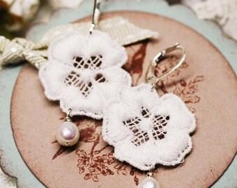 Winter flower earrings - freshwater pearl