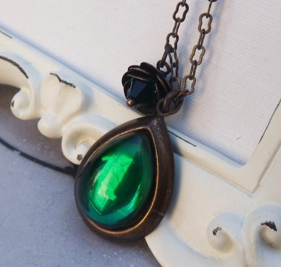 Emerald Teardrop Jewel Necklace