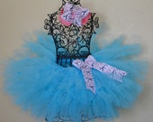 Meet Me in Paris Pettiskirt style Tutu Set includes double bow-- great for photography