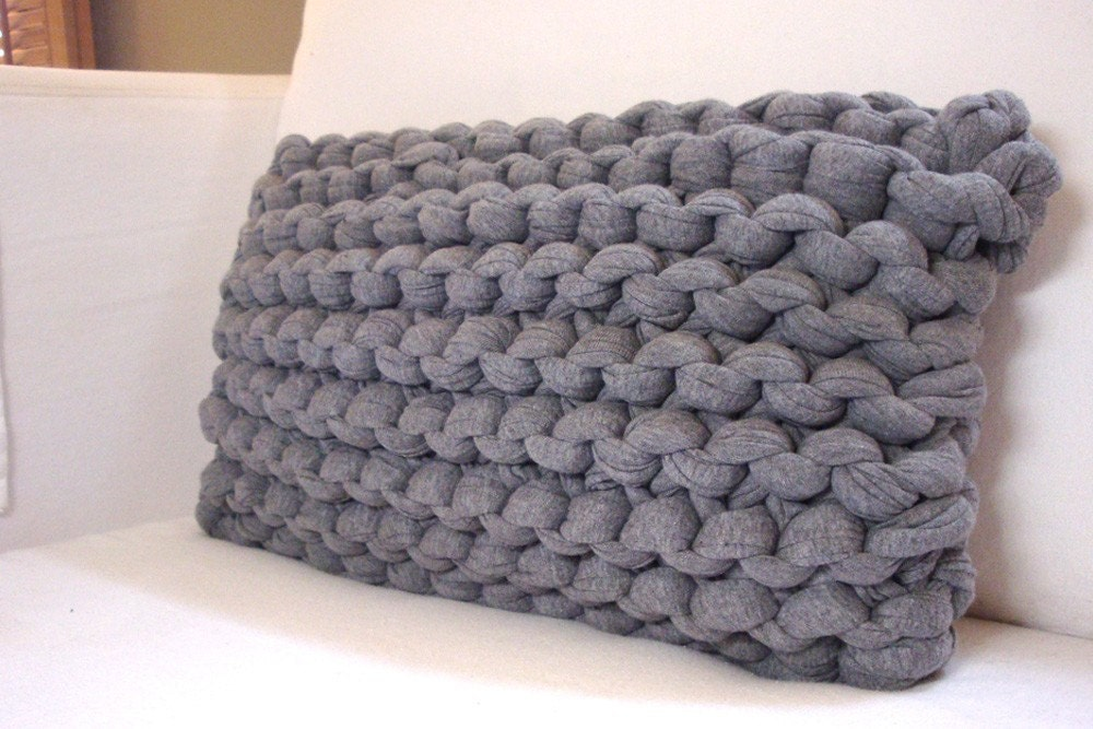 Knitting Pillows : Knit lumbar pillow super chunky heather gray