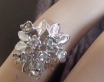 Cluster Vintage Ring French Repousse Retro  Diamond Cz Austrian Crystals Ring In 18kt Gold White Signed HGE SIZE 8  Black Friday