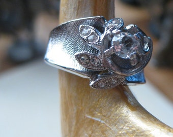 Cluster Ring Diamond Cz Austria Crystals Swirl Ring In 18kt Gold Rhodium HGE SIZE 7 signed
