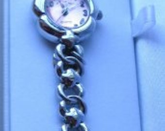 Re discover Watch with Hearts Charms WristWatch Girls Pink Face is  Working and is another  Art Vintage On SaLe Now