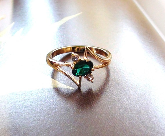 Retro 1960's Green Glass Prong Petite Emerald Cut and Cz Crystals  Cocktail Ring Size 6 14k gold Plated sterling