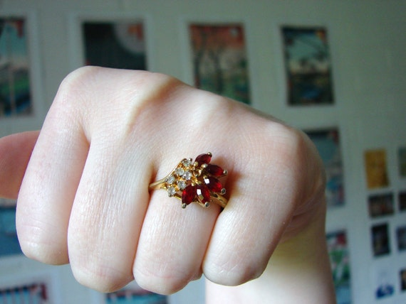 Vintage 14 KTGE Cocktail Ring with Ruby Red and White Crystals- size 9-10