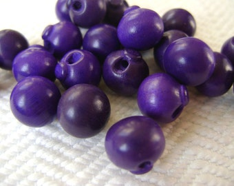 1940s Vintage Buttons - 8 Grape Wood Bangle Balls or Beads 10mm 3/8 inch