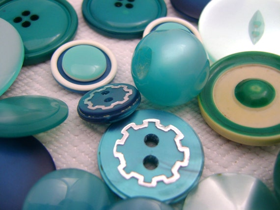 Ocean Blue Vintage Buttons - 31 Buttons in Celluloid and Plastic 1930s-60s