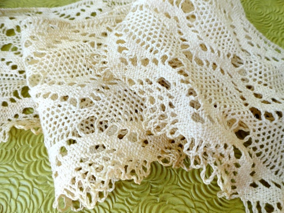 Wide Lace Vintage Trim - Creamy Cotton - 2 Yards With More Available