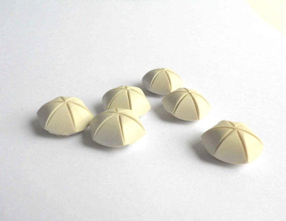 """Vintage White Plasic Dome Buttons, Set of 6 (3/4"""")"""