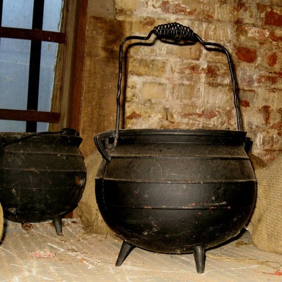 Witches Cauldron Vintage Cast Iron