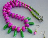 50% off Bubble gum dyed jade and lampwork bananas necklace and earring set