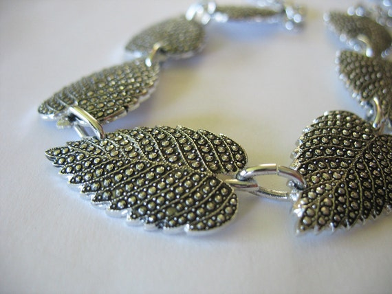Vintage Faux Marcasite Leaf Necklace Aluminum Eloxal Silvertone Germany Made