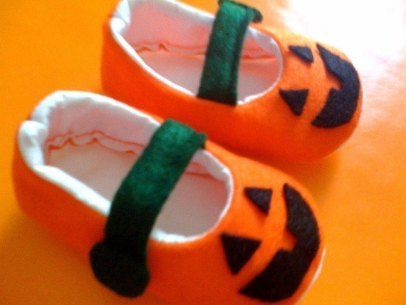 Jack O' Lantern Shoes just in time for Halloween Size 0-18mos