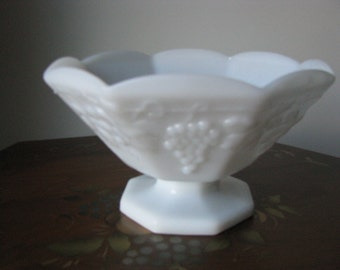 Vintage Anchor Hocking Milk Glass Compote Fruit Bowl Dish