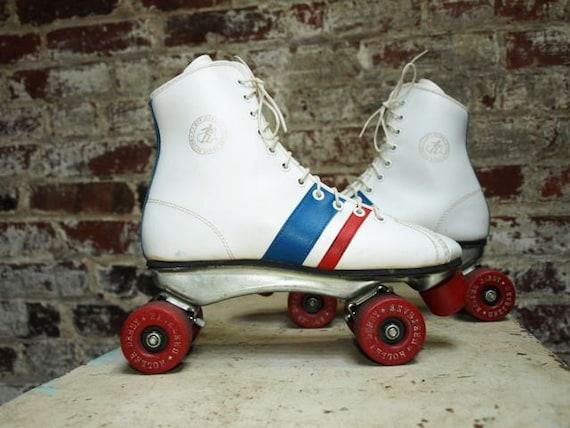 Vtg Roller Skates UniSex Red White and Blue 7.5 W/5 M