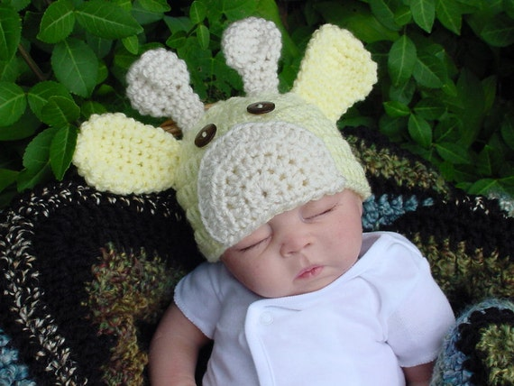 Newborn to 3 Months Yellow Giraffe Baby Hat