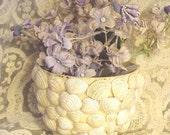 SALE Vintage Seashell Bowl Yellow Ware