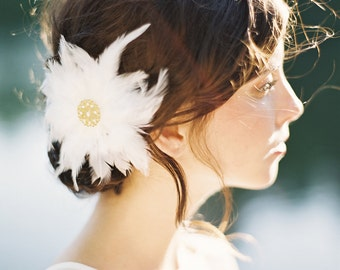 Stella Feather Flower with beaded gold center