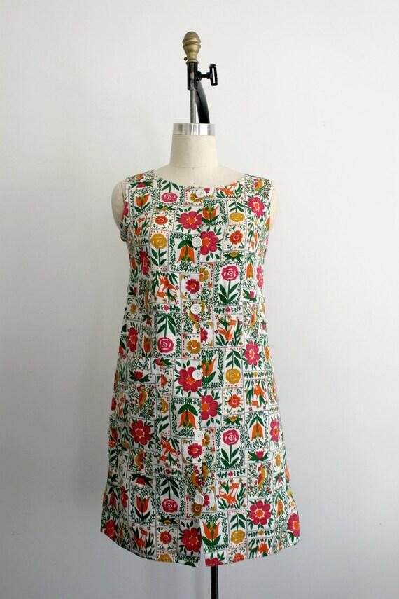 1960s Fox and Quail Vibrant Shift Mini Dress