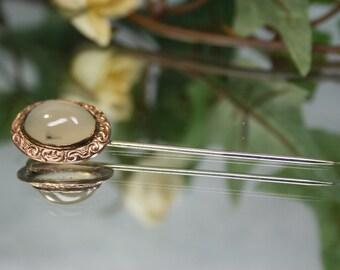 Stickpin- Vintage Goldtone and Agate Stickpin