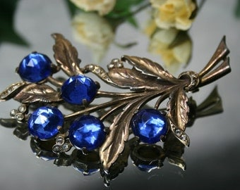 Brooch- Vintage Metal and Glass Stone Floral Brooch